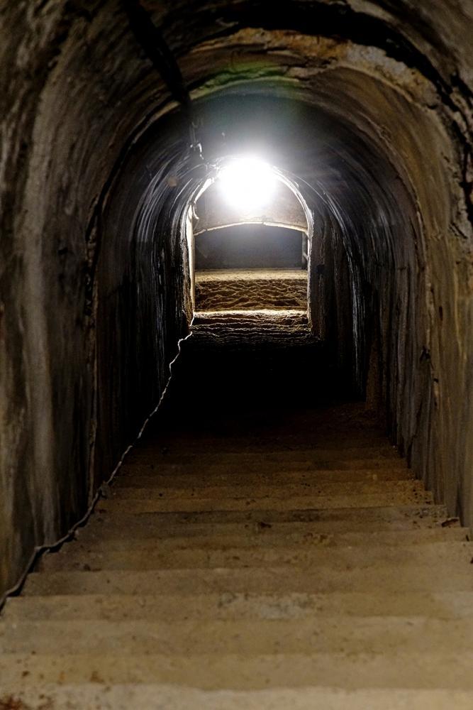 64階逃生階梯均已鐘乳石化,是鼓山洞最美的自然奇景。