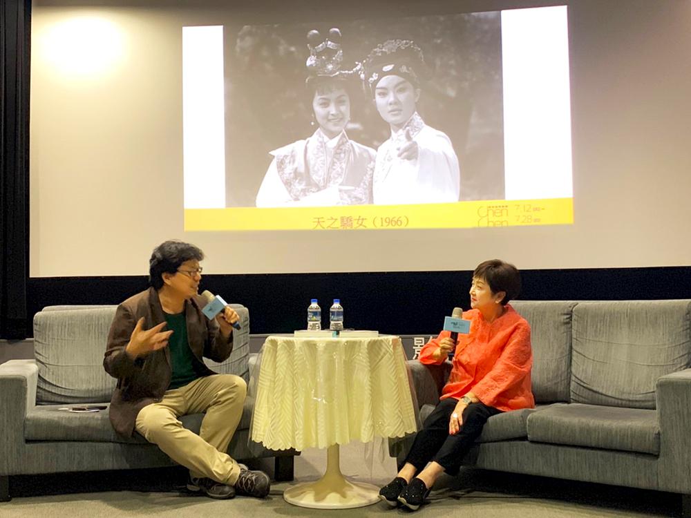 影評人鄭秉泓妙語如珠,與甄珍大談七零年代電影風華。