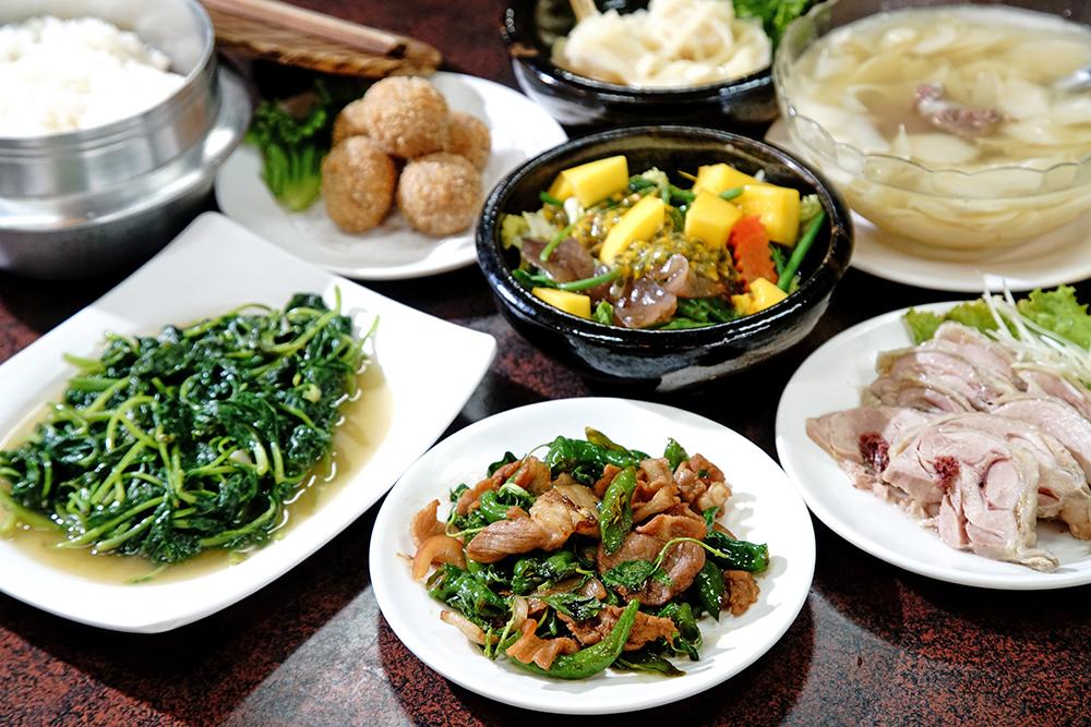 皇都飯店使用從產地到餐桌的新鮮食材。