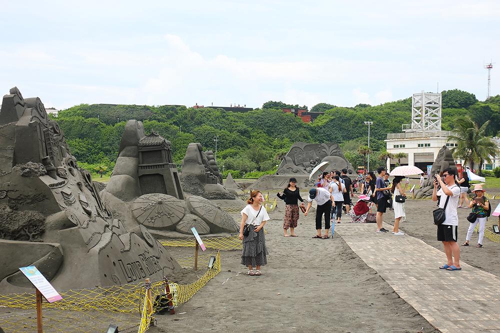 旗津黑沙玩藝節充滿趣味的沙雕。