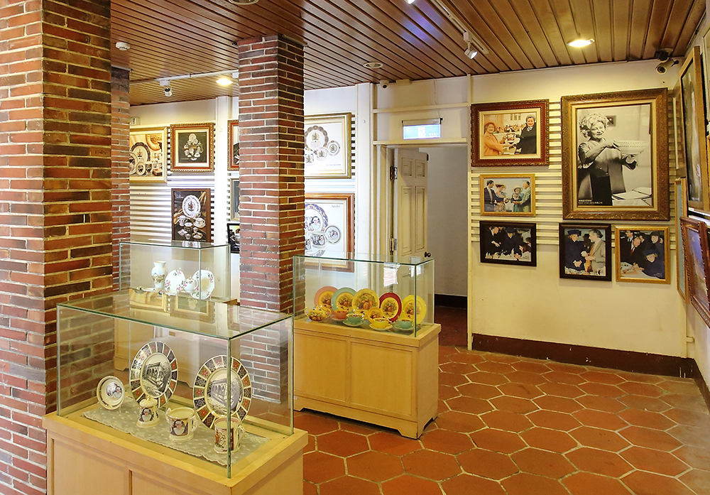 英國領事館內展覽出相當多文物。