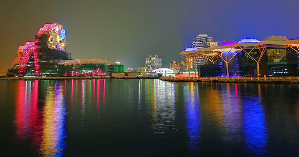 前鎮亮點:亞洲新灣區。