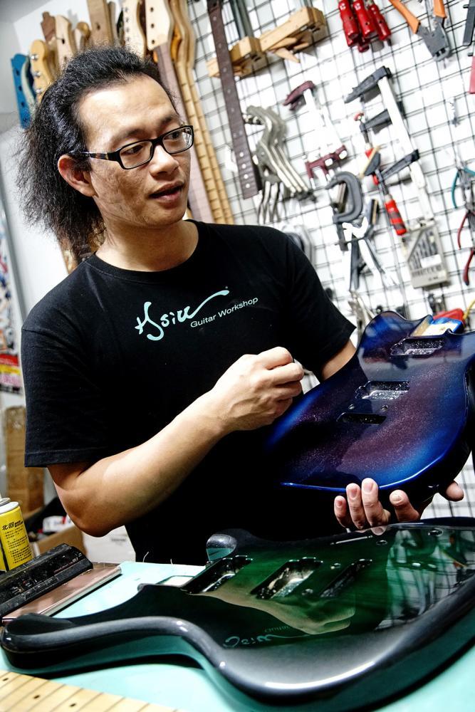 噴圖手法讓吉他造型更形出色。