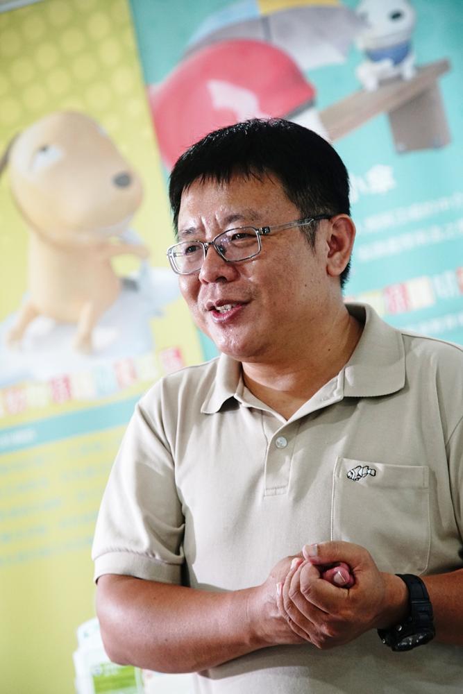 高雄市動物保護處秘書郭明欽。
