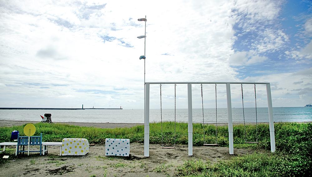 海邊的鞦韆,宛如偶像劇一般的浪漫。