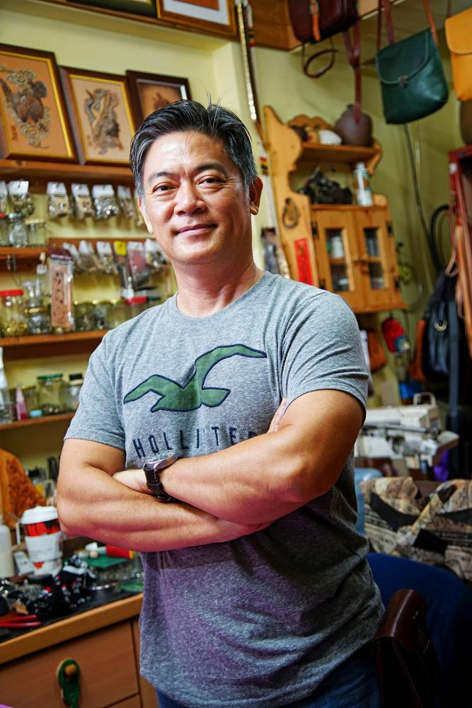 從海軍航空隊飛行員到現在的皮雕師,袁子傑用具體行動詮釋夢想家的勇敢與熱情。