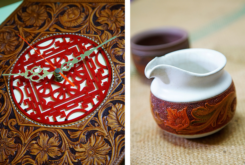 (左)結合窗花圖案設計的皮雕時鐘玩出新花樣。(右)皮革與陶土結合的陶杯創作,是袁子傑複合媒材的代表作之一。