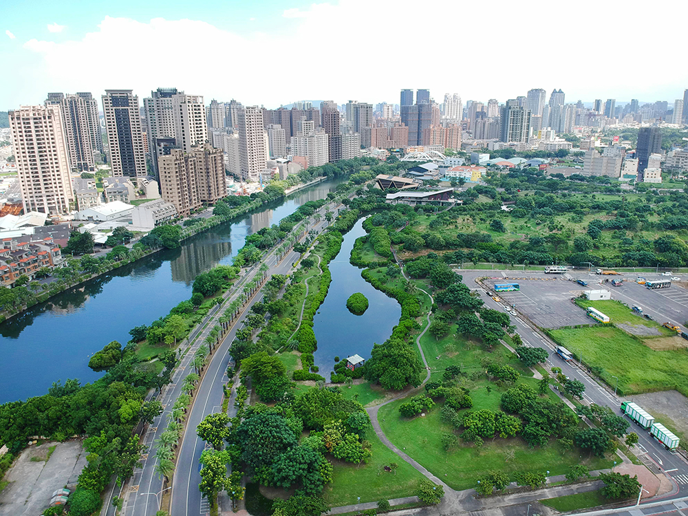 被大樓圍繞的中都濕地公園,是城市裡彌足珍貴的綠意仙境。