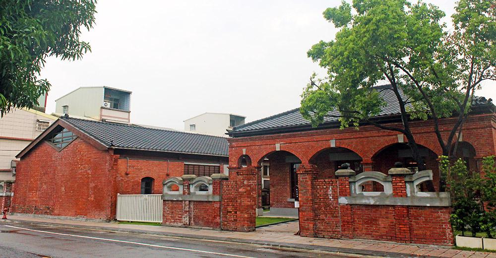 九曲堂泰芳商會鳳梨罐詰工場。(攝影╱謝宏偉)