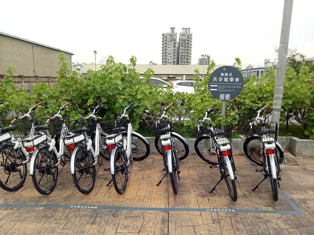 LavieBike 溜馬電動自行車,主要服務區域分布在哈瑪星、駁二香蕉碼頭。(圖片提供/ LavieBike)
