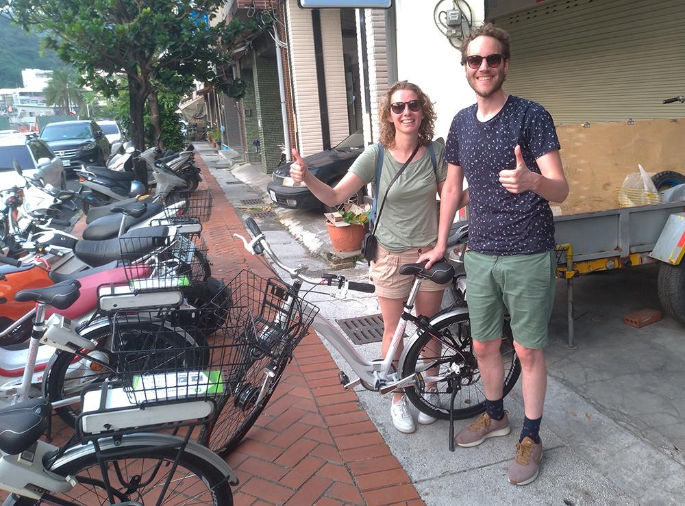 歐美外國旅客的電動自行車初體驗,對打造低碳城市相當認同。(圖片提供/ LavieBike)