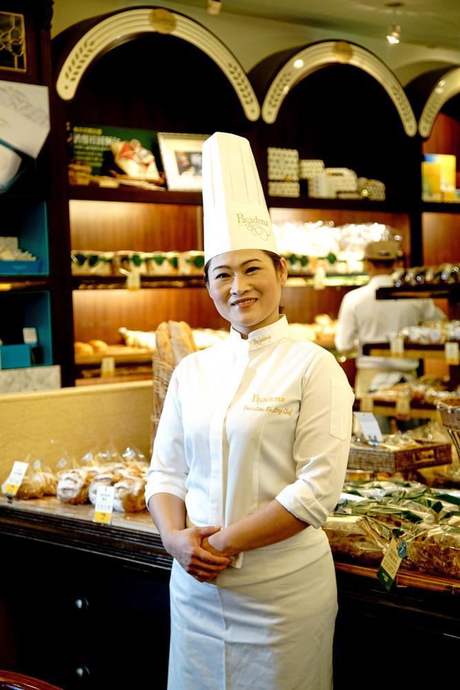 帕莎蒂娜(Pasadena)西點行政主廚黃麗芳,有著獅子座天生的領袖氣質,敬業的態度與國際視野的高度,讓她不斷挑戰突破自己的創作。(攝影/曾信耀)