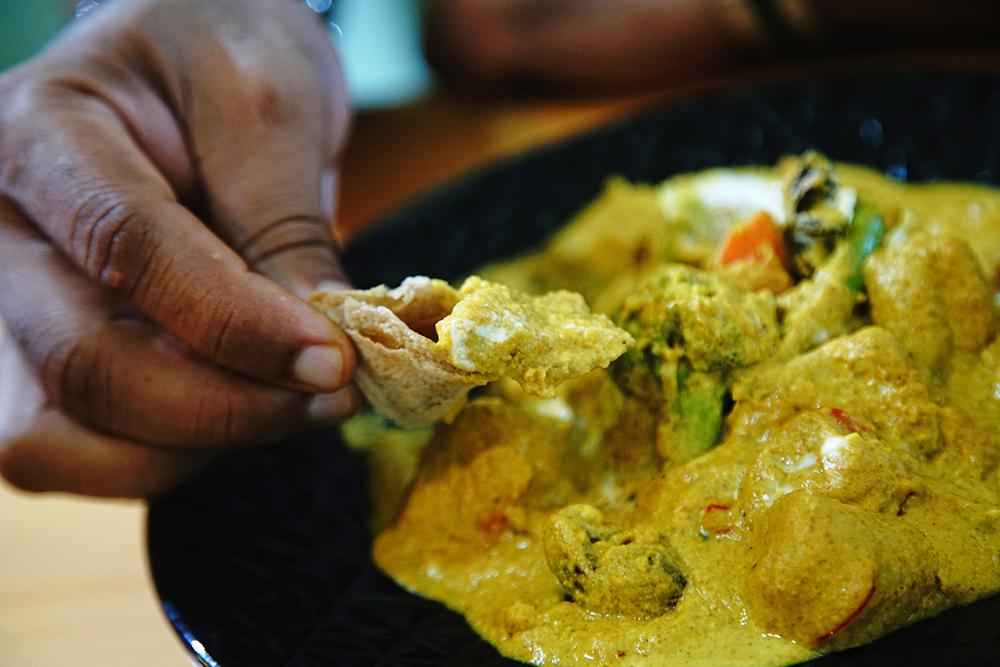 皇宮乾奶酪咖哩使用了多達37種香料,是迪立主廚最有人氣的招牌菜。(攝影/曾信耀)