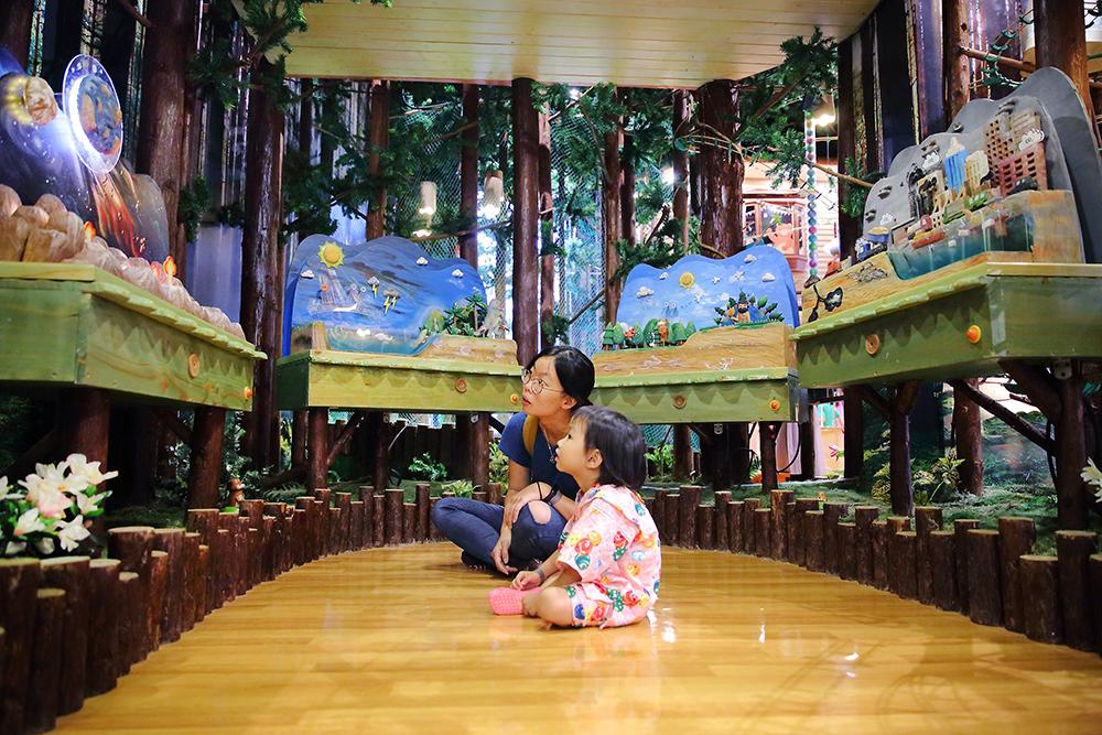 木育森林有預約解說區,可提前預約,展區內展示地球與木頭的故事,透過說明讓孩子更了解森林與生活的息息相關。(攝影/Carter)