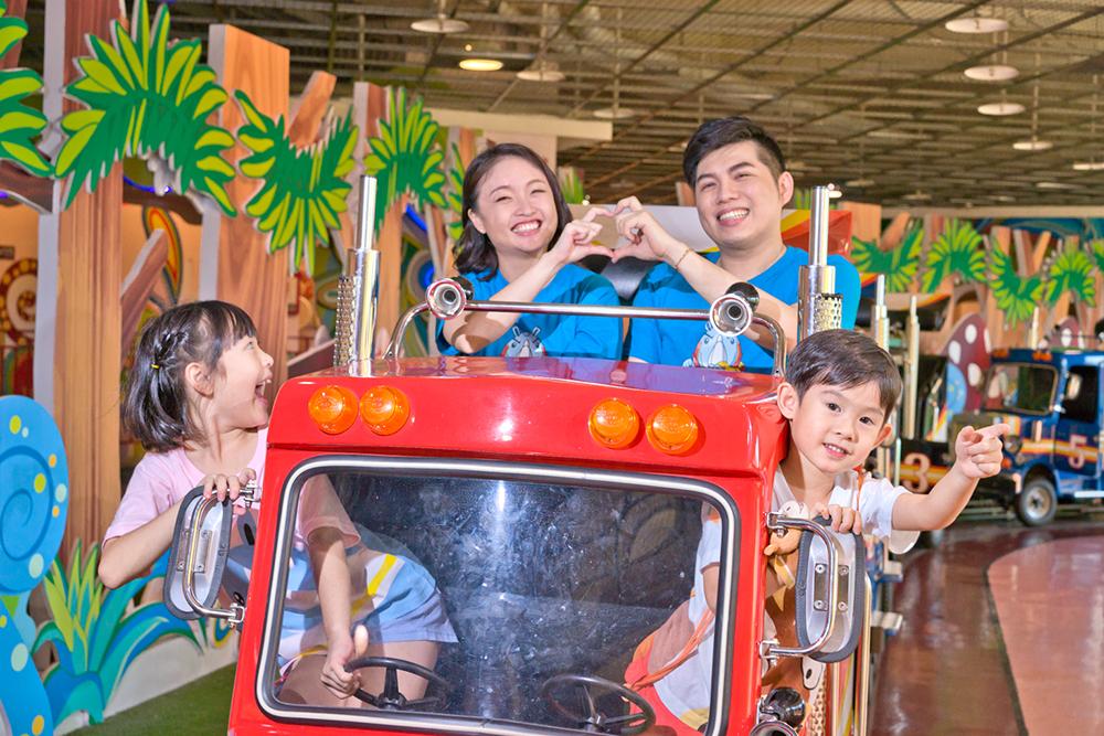遊樂園中除了冒險刺激的設施,也有適合親子歡樂的童趣體驗。(圖片提供/義联集團)