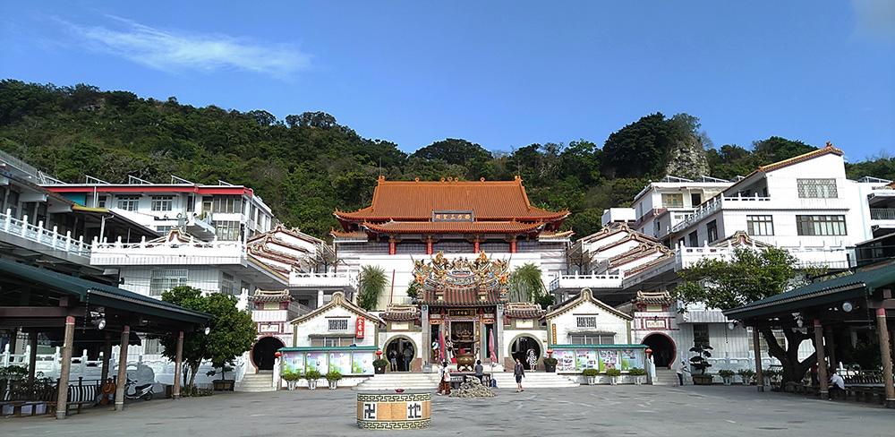 超峰寺是大崗山最佳觀景點之一。(攝影/葉郁琪)