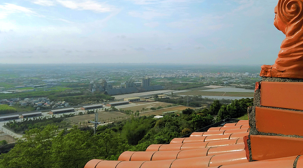 大崗山上超峰寺景致。(攝影/葉郁琪)