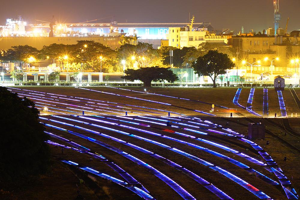 哈瑪星光任務是台灣少見的大型地景光雕藝術展。