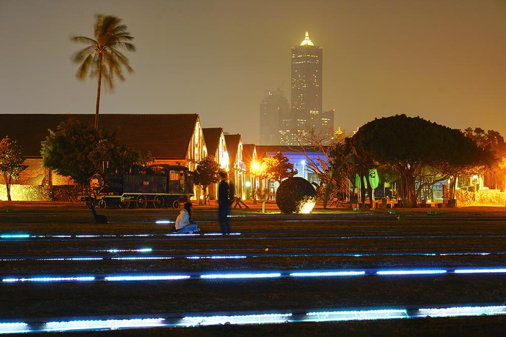 哈瑪星光任務是台灣少見的大型地景光雕藝術展。(攝影/李曉萍)