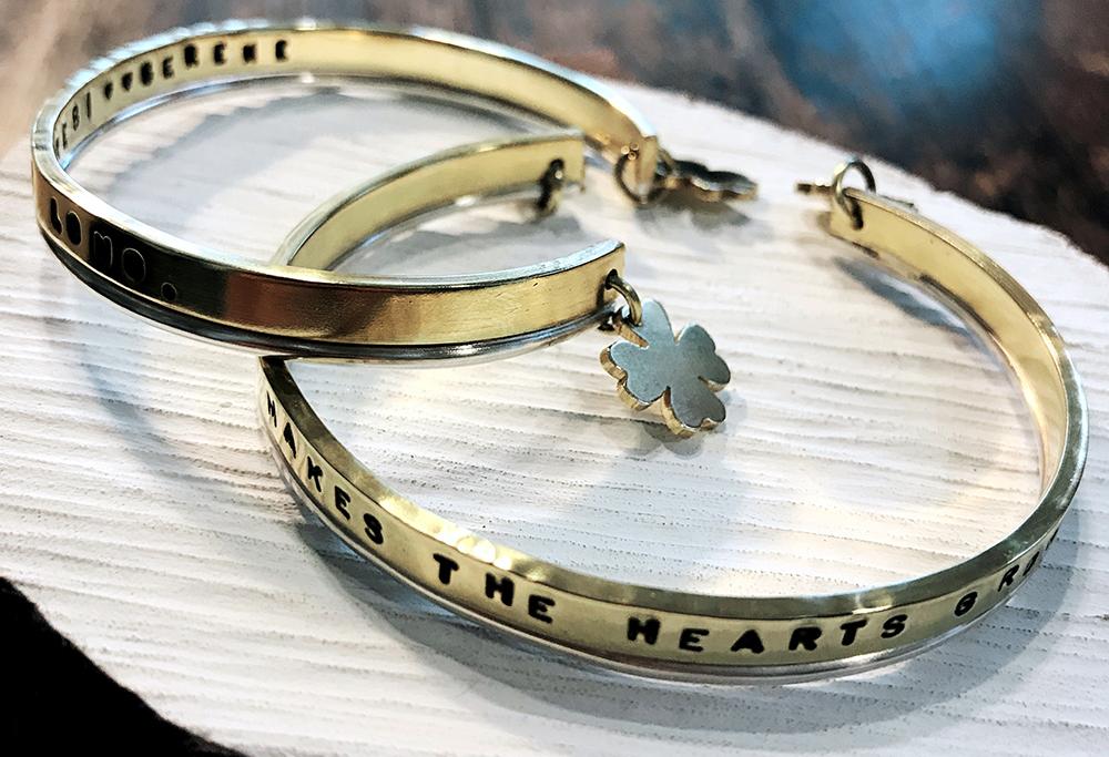 每件手作金屬飾品,每件都蘊含了濃濃的誠意,是送禮首選。