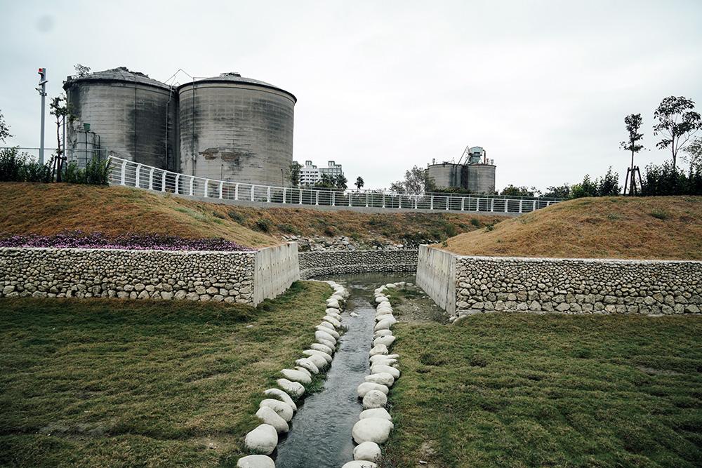 台灣第一座現代化水泥工廠:台泥鼓山廠(攝影/郭宸志)