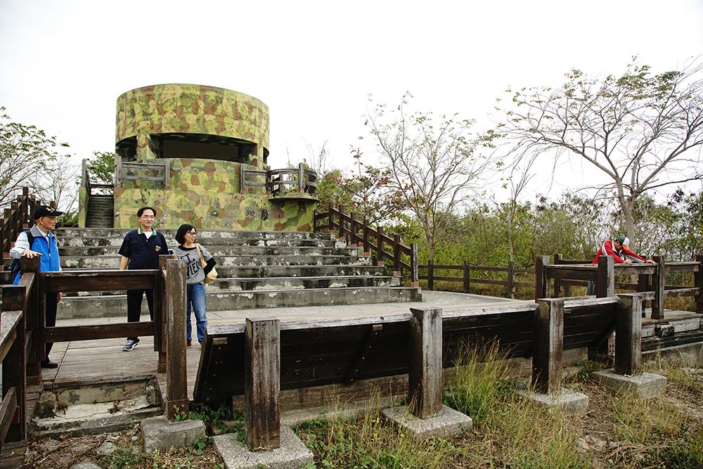 漯底山總共有四座砲陣地,砲口對準方向不同,包括左營軍港、臺灣海峽、茄萣海域。(攝影/曾信耀)