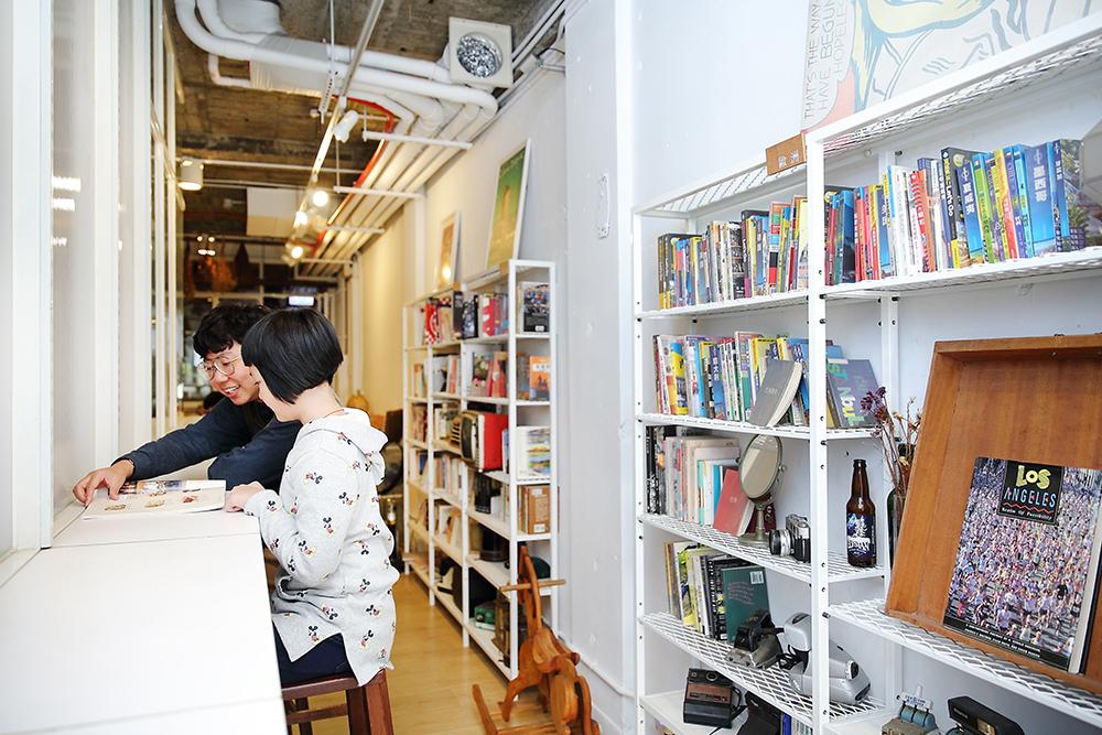 2013年成立的叁捌旅居,如今轉型為叁捌地方生活,透過活動企劃、設計出版、在地導覽,帶給地方創生不一樣的改變。(攝影/Carter)