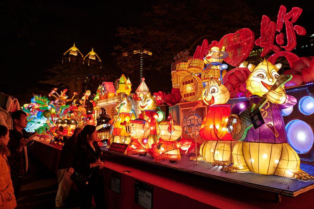 全國創意花燈競賽區。(圖片提供/高雄市政府觀光局)