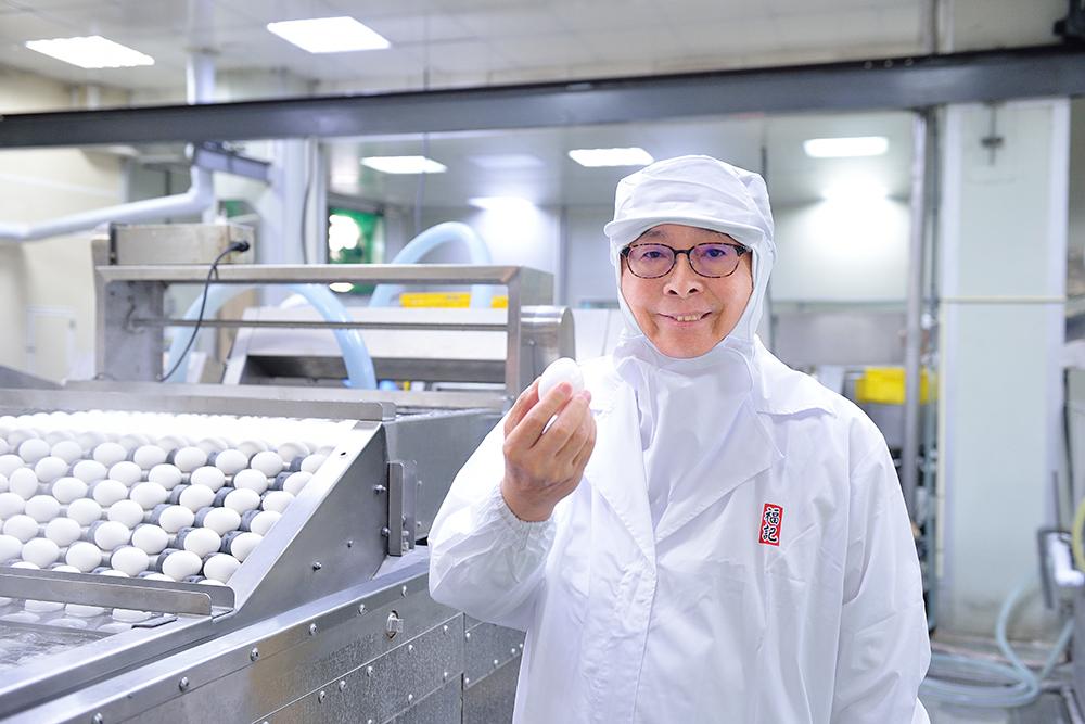 福記是第一家將鐵蛋導入工業化自動生產,擁有全球第一量產,並外銷世界各國。(照片提供/福記)