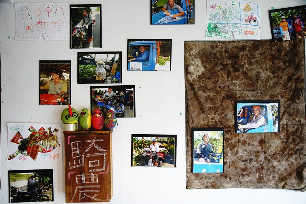 影像交換所目前有騎農攝影特展,來看看蕉農坐騎的時代演變。(攝影/曾信耀)