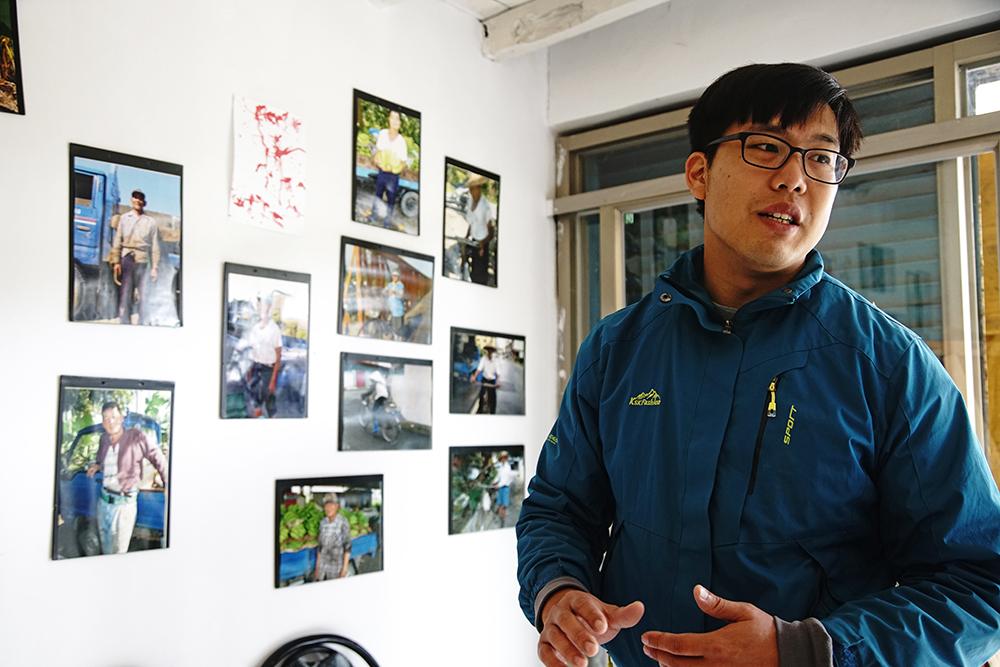 王繼強自高中起,便在溪洲擔任夏令營的志工,也是影像交換所空間發起人。(攝影/曾信耀)