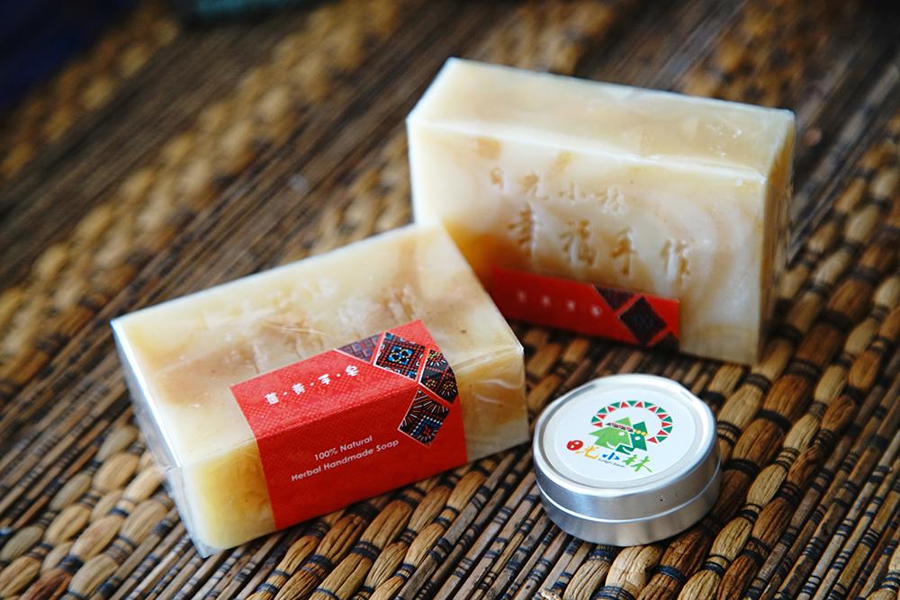薑黃手工皂、薑黃粉天然好物。(攝影/曾信耀)