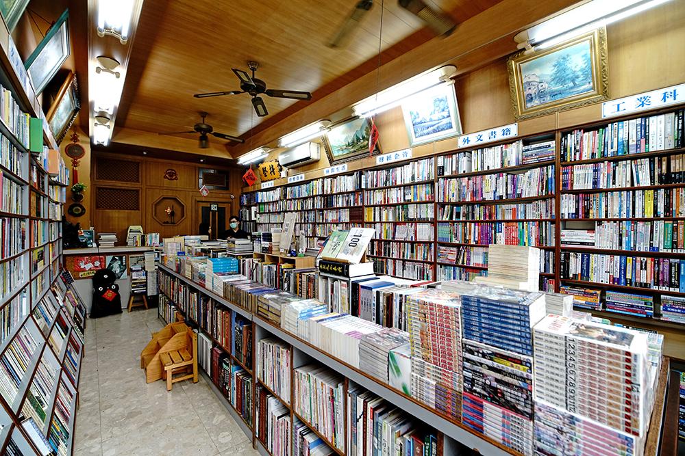 乾淨整齊是復興二手書店給人的第一印象。(攝影/曾信耀)
