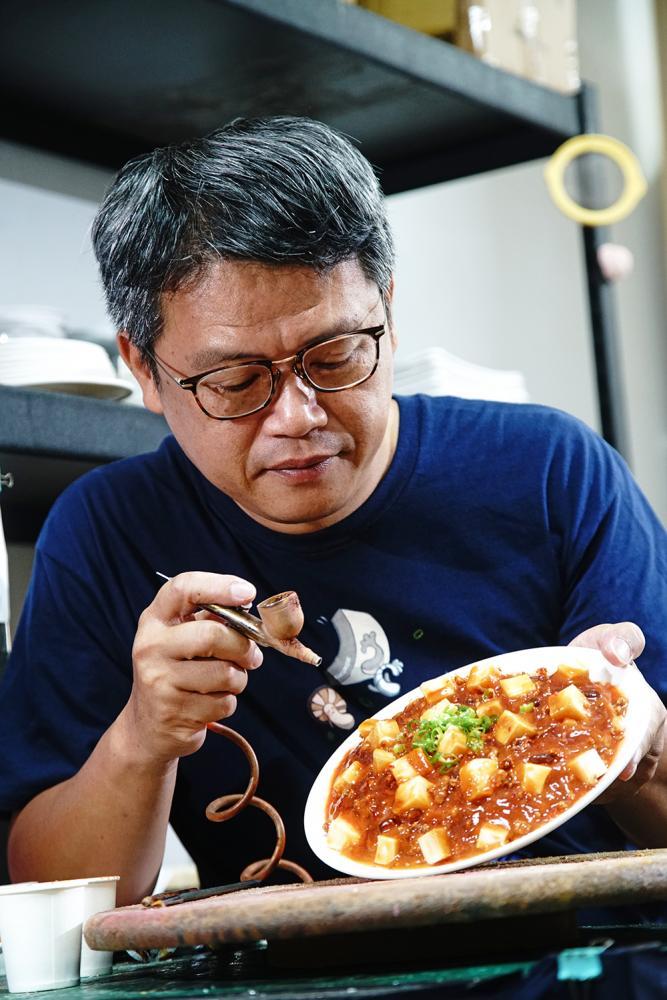 郭志忠從1997年入行逾20年,是台灣從事食品模型第一人。(攝影/曾信耀)