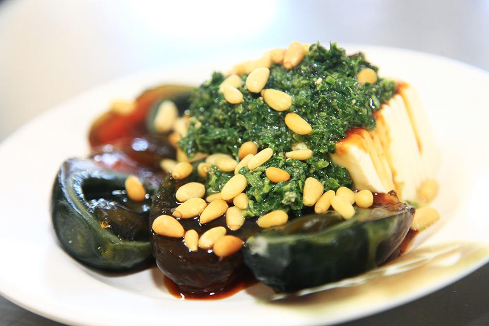 左營豫湘美食的香椿醬,是胡天蘭記憶中的道地口味。(照片提供/Mook)