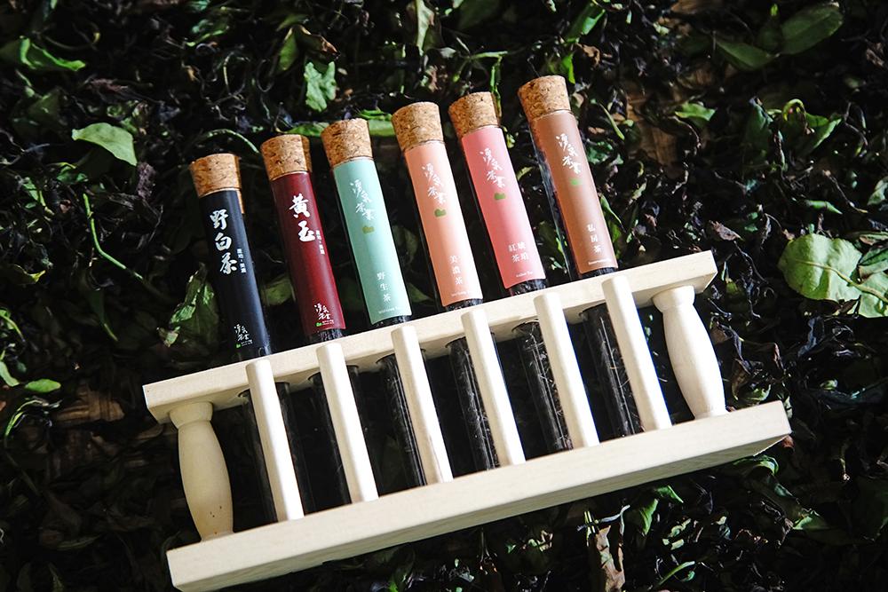 湧泉茶業目前有美濃茶、琥珀紅茶、野生茶、黃玉、私房茶。(攝影/曾信耀)