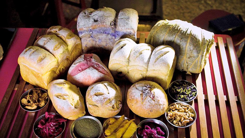 使用在地食材的果香麵包,擁有六龜鄉間獨特的情感風味。(照片提供/藏御手感烘培)