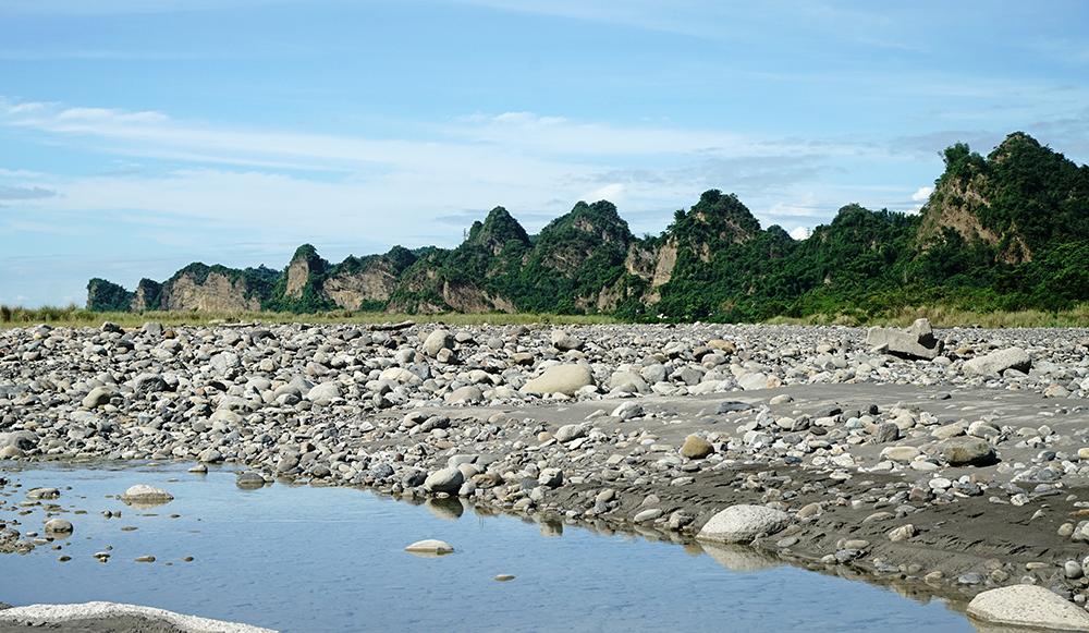 十八羅漢山峰峰相連,素有「台灣小桂林」美稱。(攝影/曾信耀)