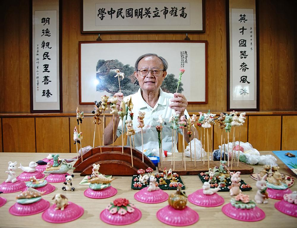 陳義進持續傳授捏麵人傳統技藝,捏出新意不藏私。(攝影/曾信耀)