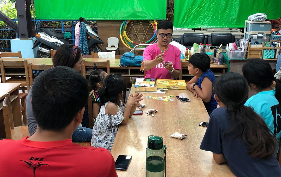 劉育豪認為家長的角色相當重要,鼓勵家長參與說故事活動。(照片提供/劉育豪)