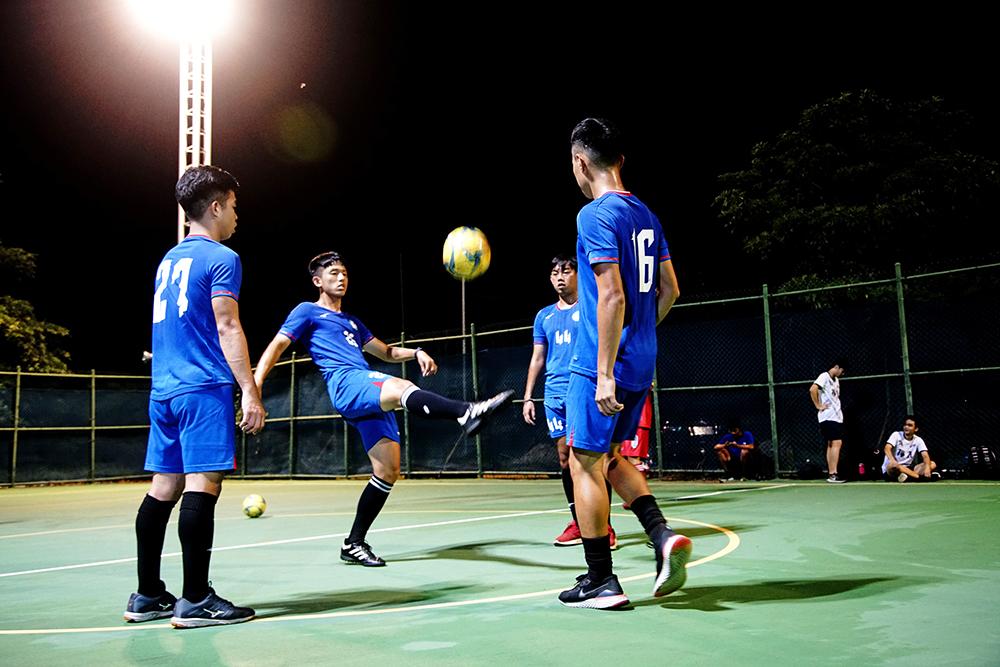 足球的技術、戰術、體能門檻非常高,講究團隊戰力。(攝影/曾信耀)