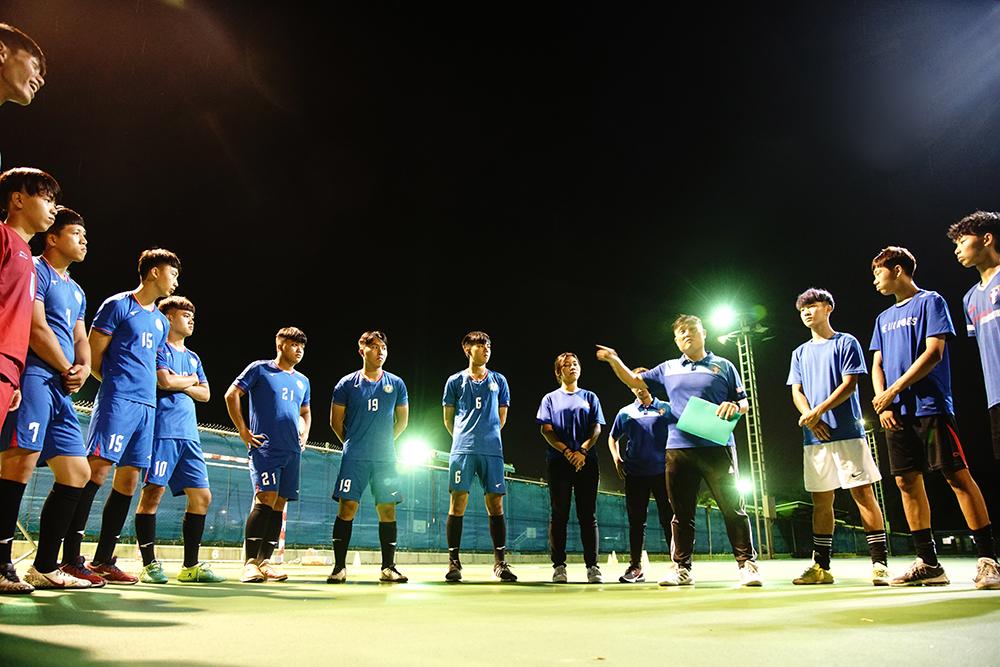 樹德科大足球隊在簡盟恩教練帶領之下,不僅戰績突飛猛進,板凳深度也令人刮目相看。(攝影/曾信耀)