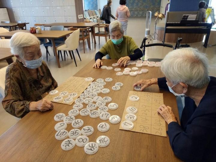 高齡整合長期照護中心提供高齡長者專業妥善的照顧,家中親屬也能獲得一個喘息的機會。(圖片提供/高雄市立凱旋醫院)