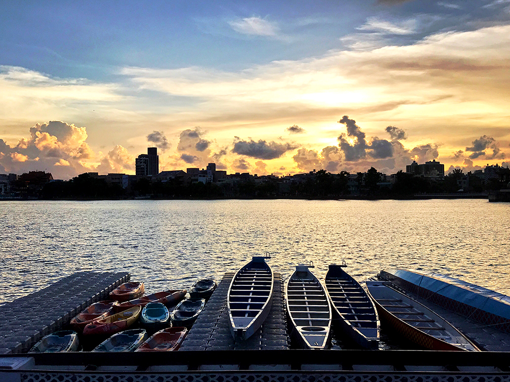 蓮池潭遊艇休憩碼頭。
