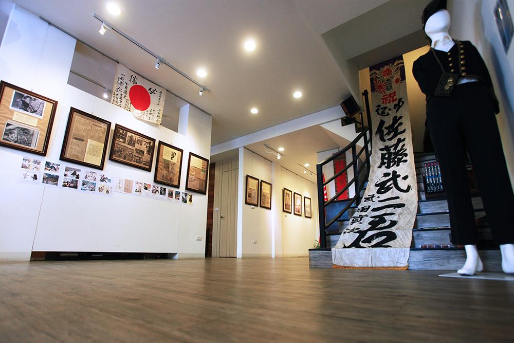 三兄弟共同構思催生克朗德美術館,做為鹽埕在地藝文的重要基地。(攝影/曾信耀)