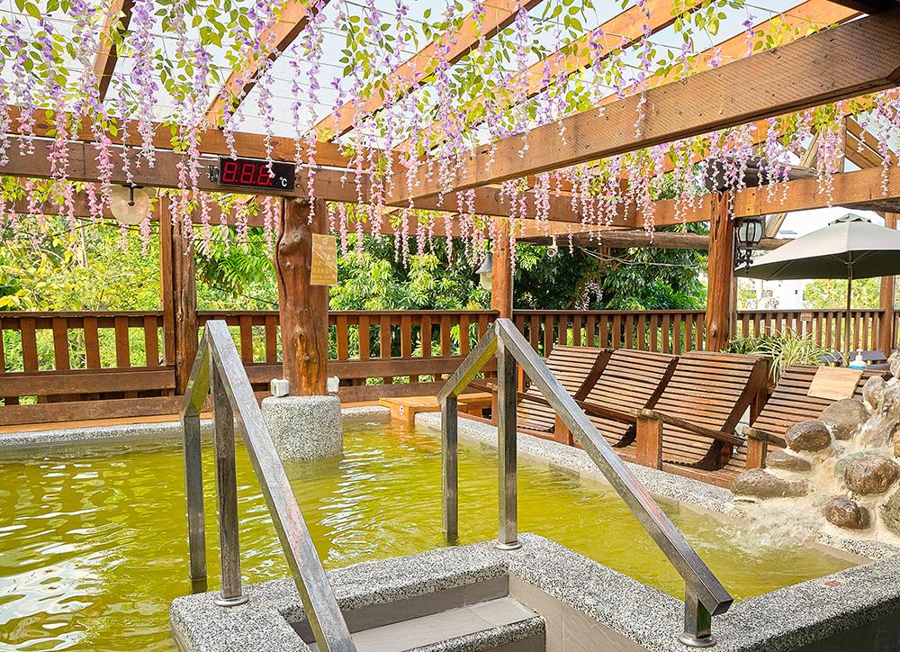 美崙山溫泉渡假山莊,以不老溫泉區的透明泉湯療癒身心。(攝影/林衍億)