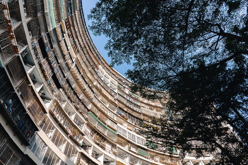 果貿社區的集合式住宅,有高雄的九龍城寨之稱。(圖片提供/洪立)