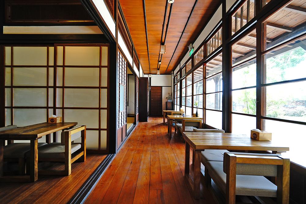 官階較高的宿舍才會有應接室的配置,採西式裝修,為男主人招待賓客的空間。(攝影/Cindy Lee)