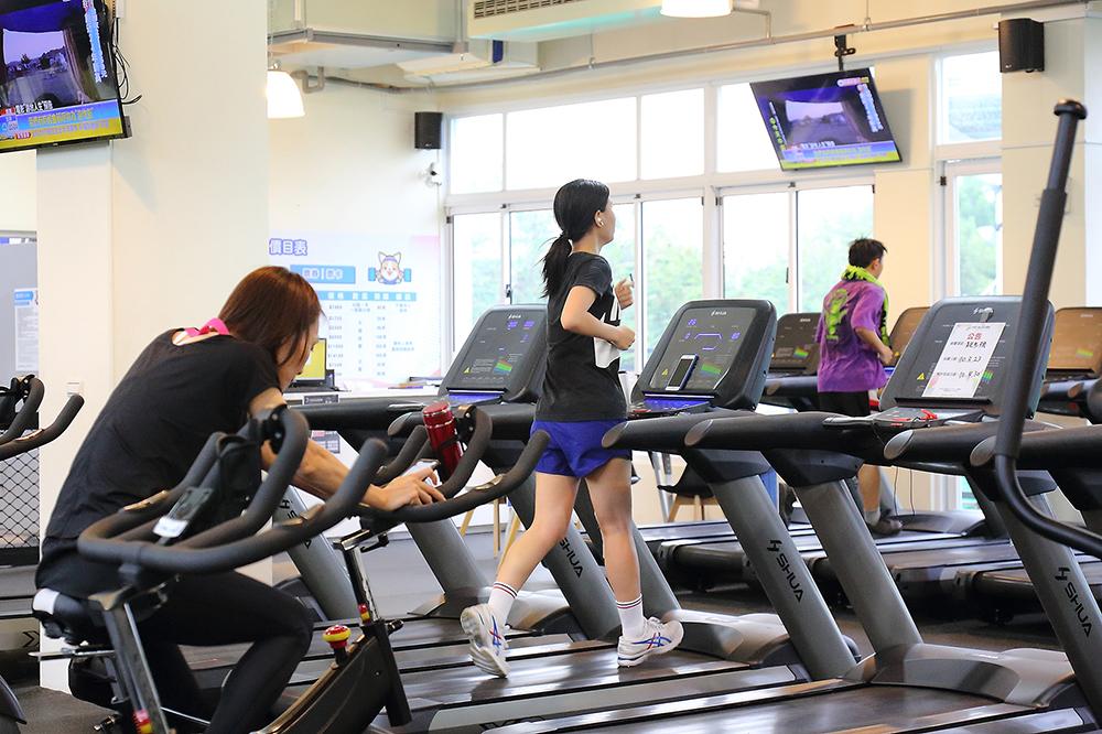 鳳山運動園區是高雄市首座市民運動中心,歡迎市民朋友善加利用,養成運動習慣。(攝影/Carter)