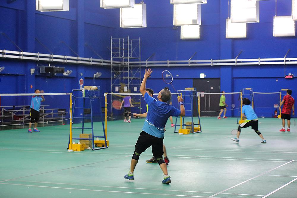 羽球館有10面羽球場,並鋪設專業級羽球地墊。(攝影/Carter)